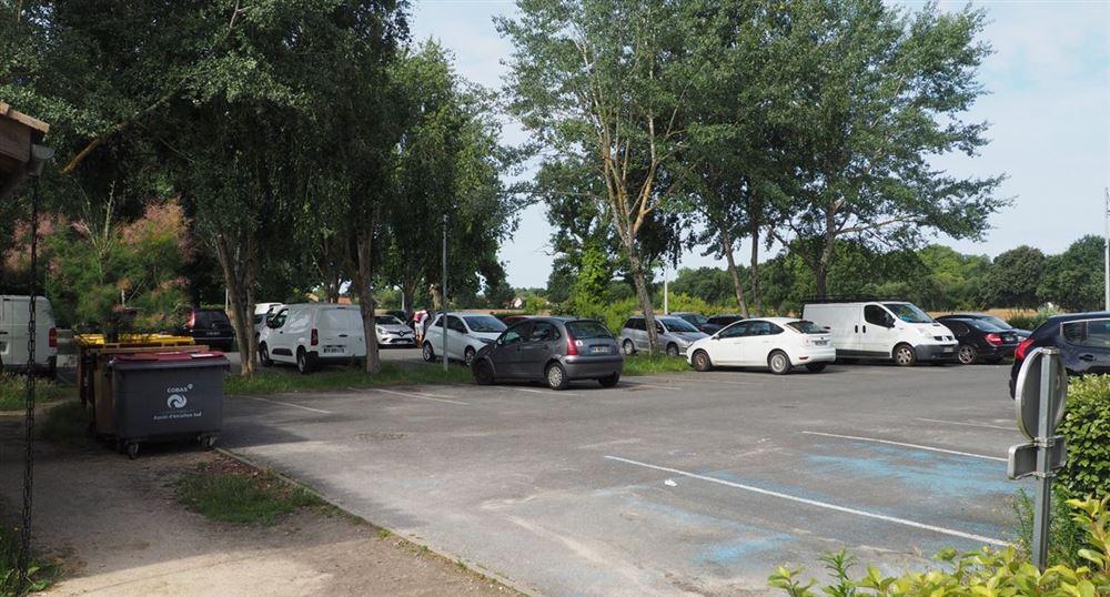 Le parking de la résidence Les Rives Marines